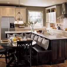 Дизайн интерьера кухни с диваном удобно и комфортно