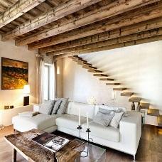 Дизайн интерьера с балками: оригинальный декор под потолком