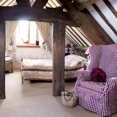 Дизайн интерьера мансарды деревянного дома: создаем дополнительную комнату