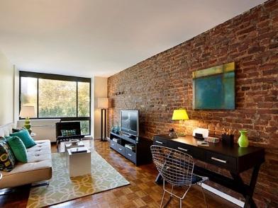 дизайн интерьера с кирпичной стеной