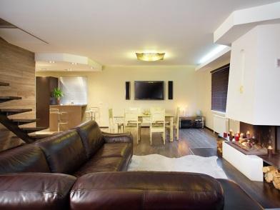 Дизайн интерьера с угловым диваном