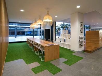 разработка дизайна интерьера офиса в простом стиле