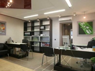 классический дизайн интерьера кабинета в офисе