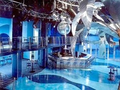 Дизайн интерьера ночного клуба на 2 этажа