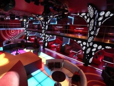 Дизайн интерьера ночного клуба в свободном стиле