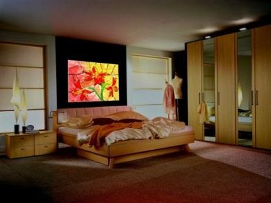 Витражи в дизайне интерьера в спальне