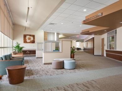 Дизайн интерьера медицинского центра в стиле ретро