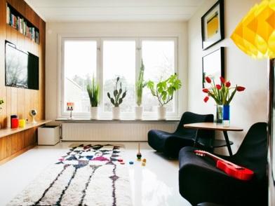 Дизайн интерьера в стиле ретро с креслами