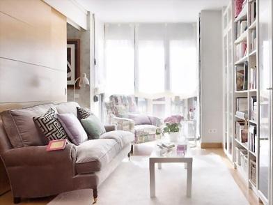 Дизайн интерьера в брежневке с мягкой мебелью