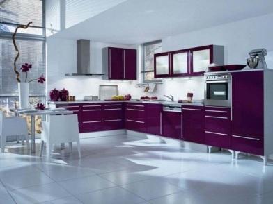 Фиолетовый цвет в дизайне интерьера с голубым