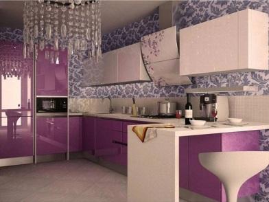 Фиолетовый цвет в дизайне интерьера кухни в доме