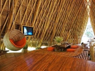 Бамбук в дизайне интерьера мансарды